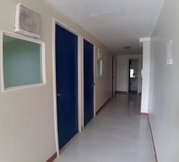 EDT-group-class-hallway