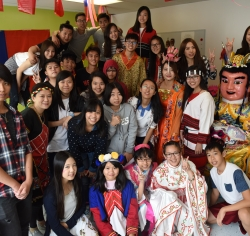 03-vanwest-culture-day